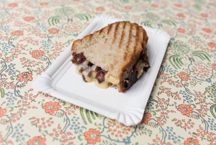 Panino karamellisierte Zwiebeln Camembert